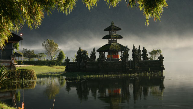 PHOTO: Barbara Weibel photographed her 2007 trip to Pura Ulun Danau Bratan Temple at Lake Bratan in Bedugul, Bali.