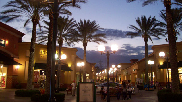 PHOTO: Desert Hills Premium Outlets, California