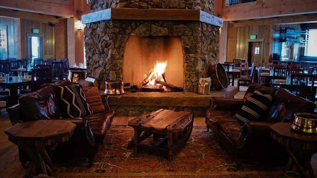 PHOTO: Devil's Thumb Ranch Fireplace