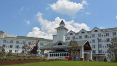 PHOTO: Dolly Partons new resort, Dollywood's DreamMore Resort in Pigeon Forge, Tenn., is full of the singers influence.
