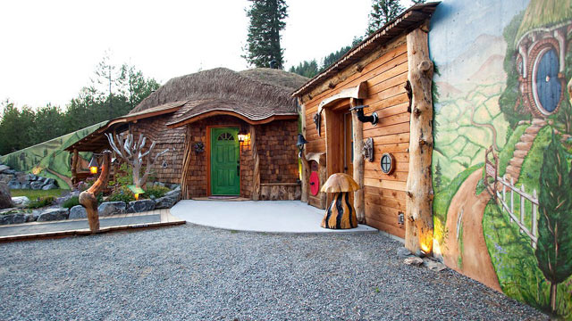 PHOTO: Hobbit House of Montana