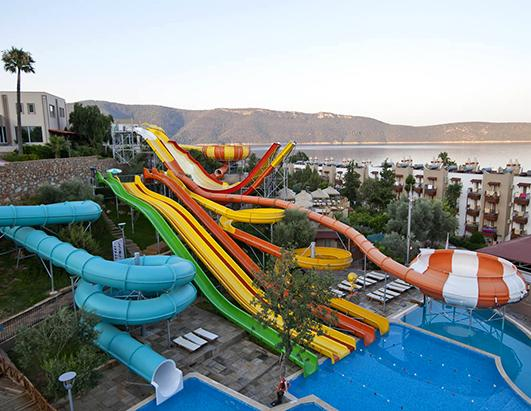 World S Coolest Hotel Water Slides Picture World S Coolest Hotel
