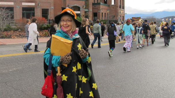 ht lake placid halloween main street parade ll 131031 16x9 608 Lake Placid Named Best Town for Halloween Fun
