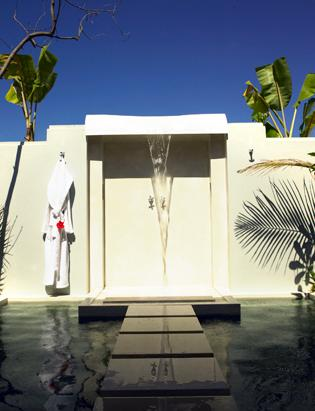 World's Steamiest Outdoor Showers and Baths
