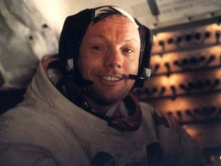 Neil Armstrong, First on the Moon, Dead at 82
