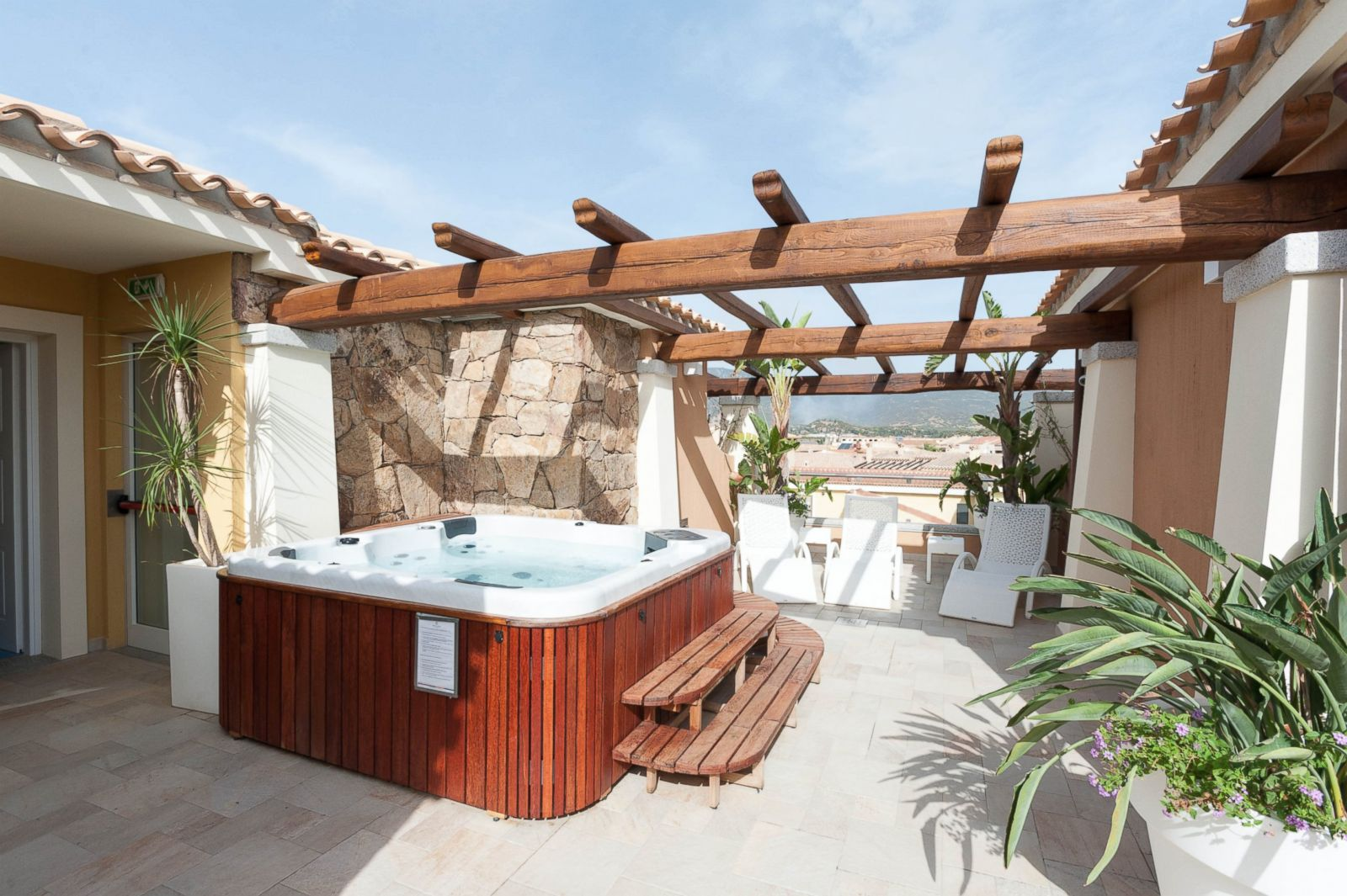 Janas hotel sardinia picture 10 of the best new for Top 10 boutique hotels in the world