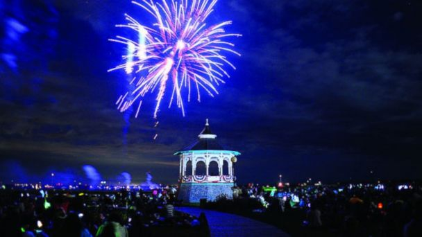 PHOTO: Oak Bluffs Fireworks