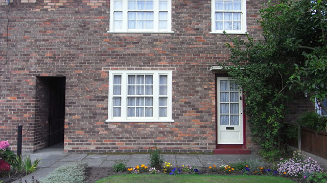 PHOTO: Paul McCartney's boyhood home has been restored to its 1950s appearance by the National Trust.