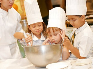 Luxe Travel Trend: Kids Cooking Classes