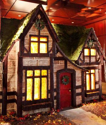Spectacular Holiday Hotel Displays