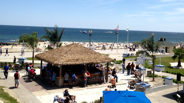 PHOTO: Tiki Bar, Ocean Place Resort & Spa