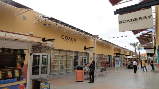 PHOTO: Las Vegas Premium Outlets, Nevada