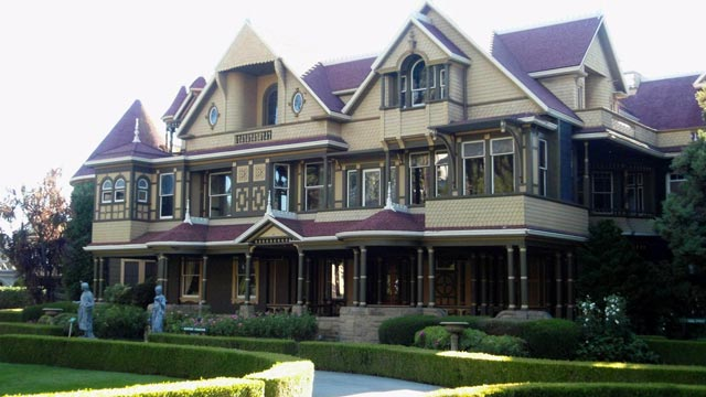 PHOTO: Winchester Mystery House, San Jose, California