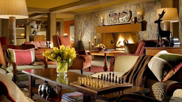PHOTO: Woodstock Inn Resort & Spa Fireplace