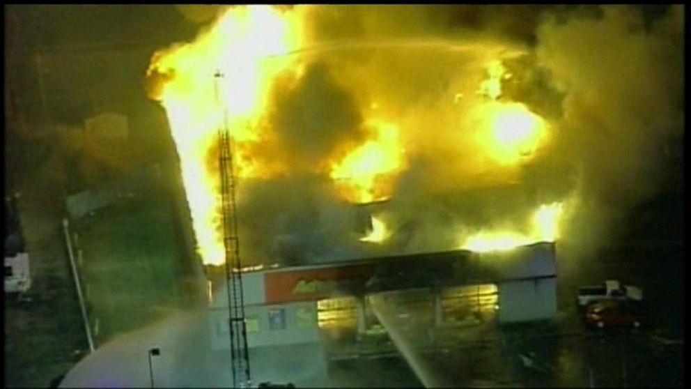 Ferguson Protest Fire: Advanced Auto Parts Video - ABC News