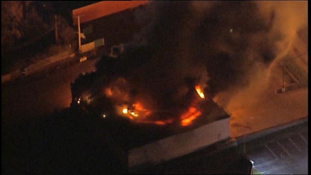 Ferguson Protest Fire: O'Reilly Auto Parts Video - ABC News