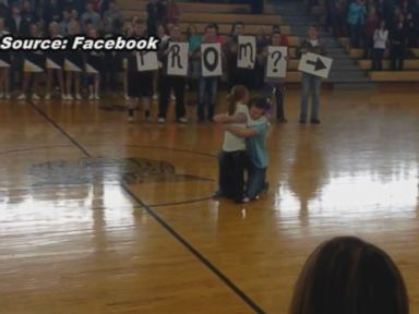 Watch:  Arkansas Girl Gets Dream Prom Proposal