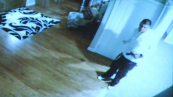 http://a.abcnews.com/images/US/150129_abc_hernandez_surveillance_gun_16x9_608.jpg