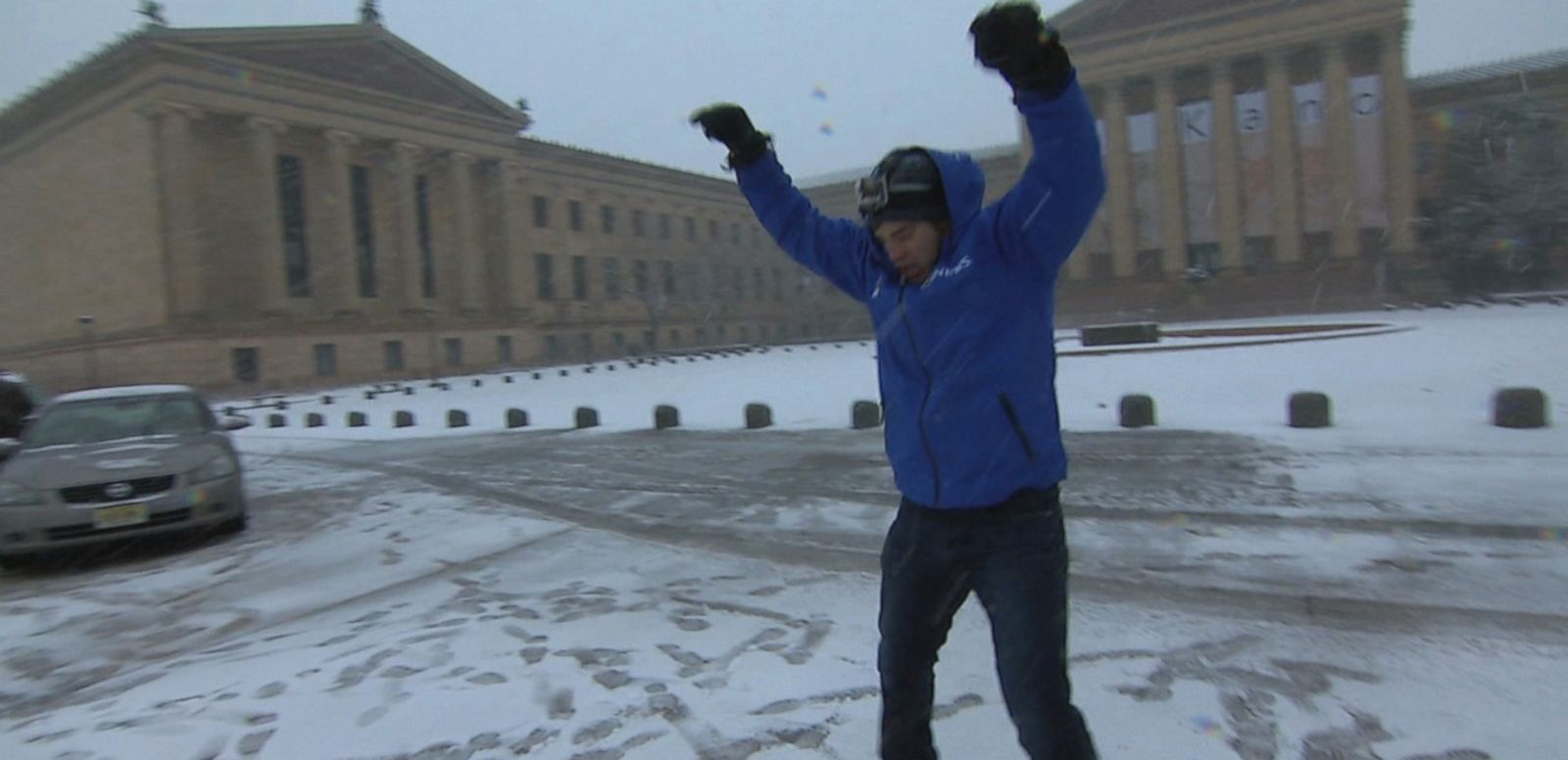 VIDEO: ABC News' Rob Marciano takes to the roads and steps of a snow-blanketed Philadelphia.