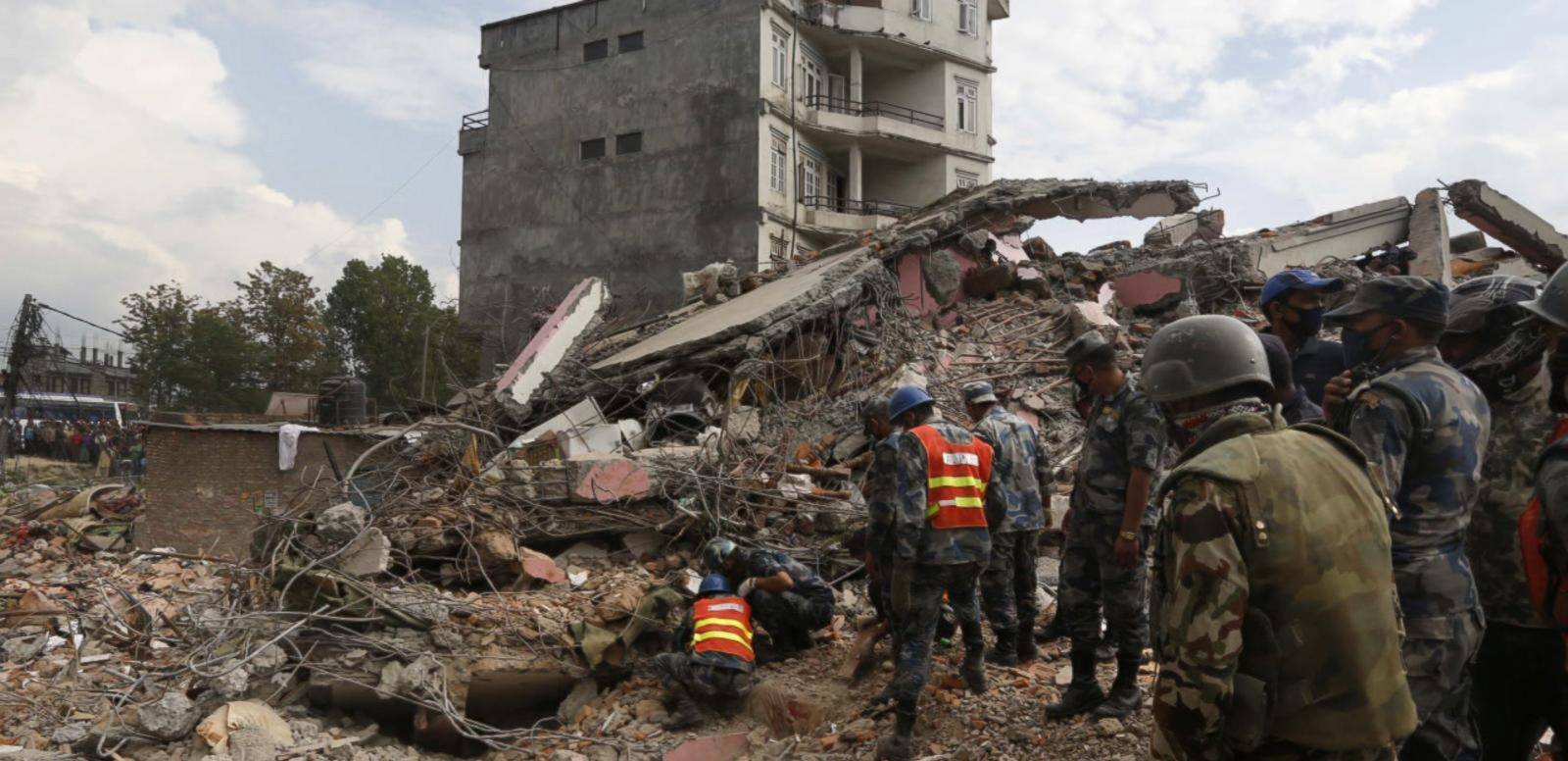 VIDEO: At Least 3 Americans Among Thousands Dead in Nepal Earthquake