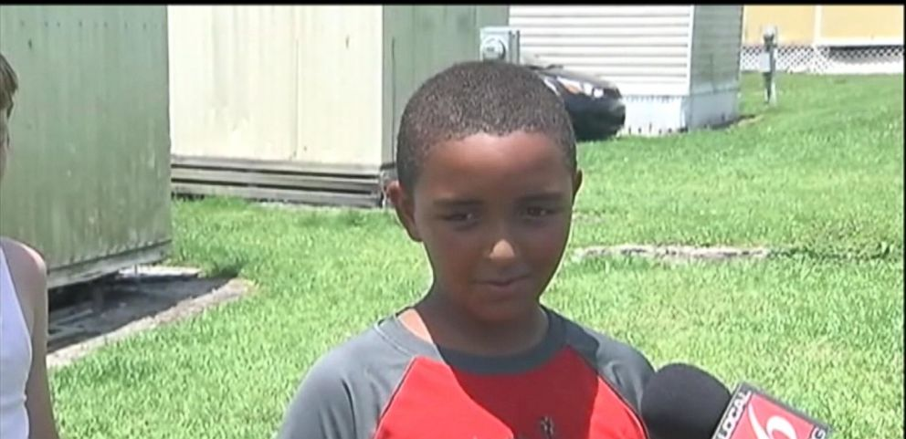 VIDEO: 10-Year-Old Rescues Young Children From Mobile Home Fire in Florida