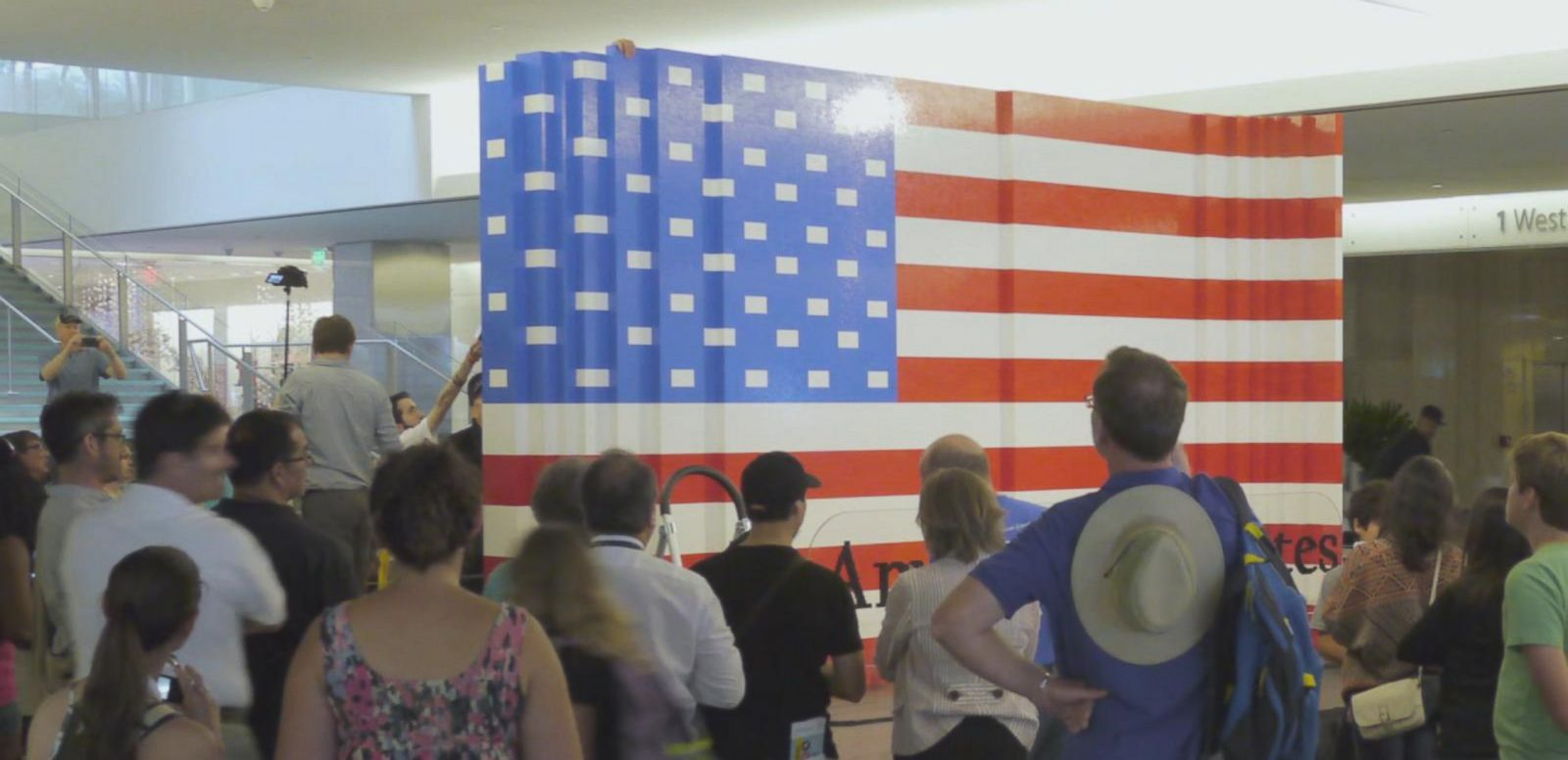 VIDEO: See the Largest American Flag Made Out of Legos