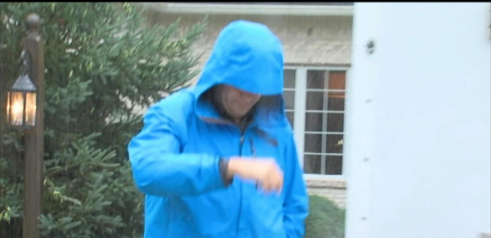 VIDEO: Agents won't reveal why they are searching Jared Fogle's Indiana home.