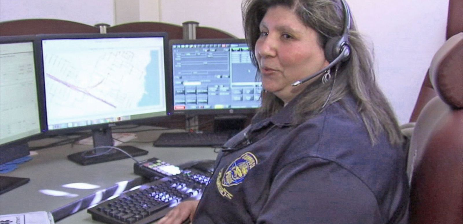 VIDEO: Texas 911 Dispatcher Helps Dad Deliver Baby