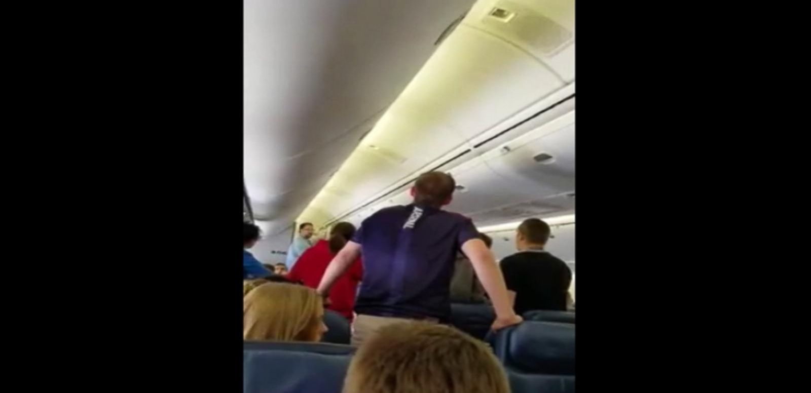 VIDEO: Students Offer Impromptu Serenade as Army Private Leaves Plane