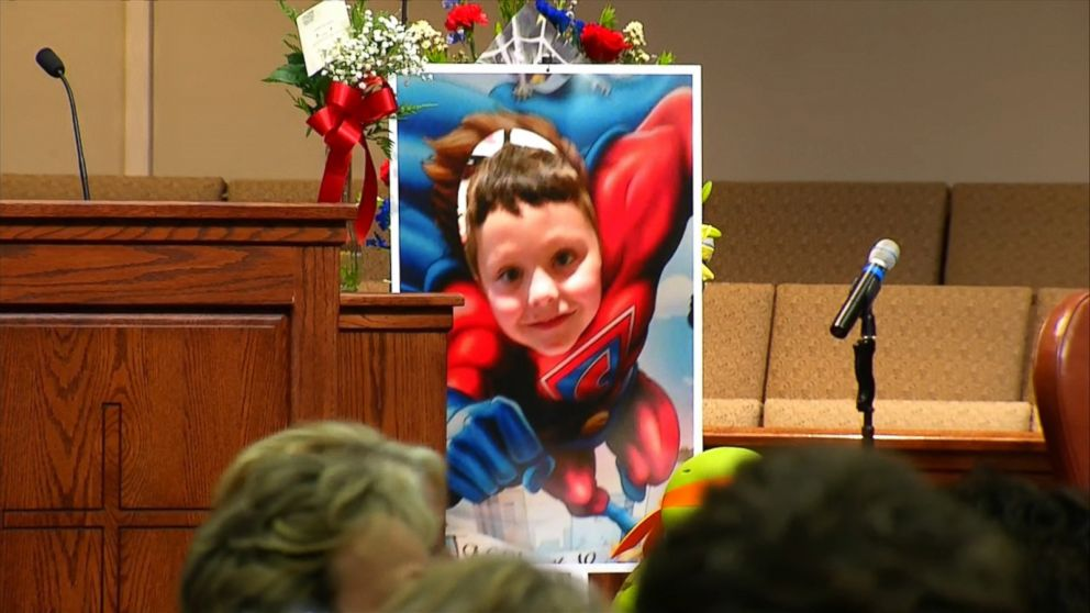 http://a.abcnews.com/images/US/161005_vod_orig_superhero_funeral_jacob_16x9_992.jpg
