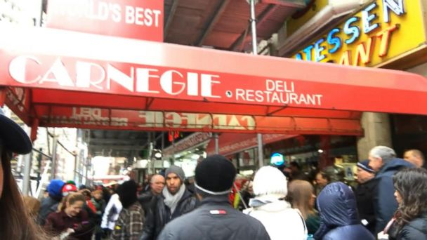 VIDEO: Customers Wait in Line for Final Pastrami Sandwiches at NY Carnegie Deli