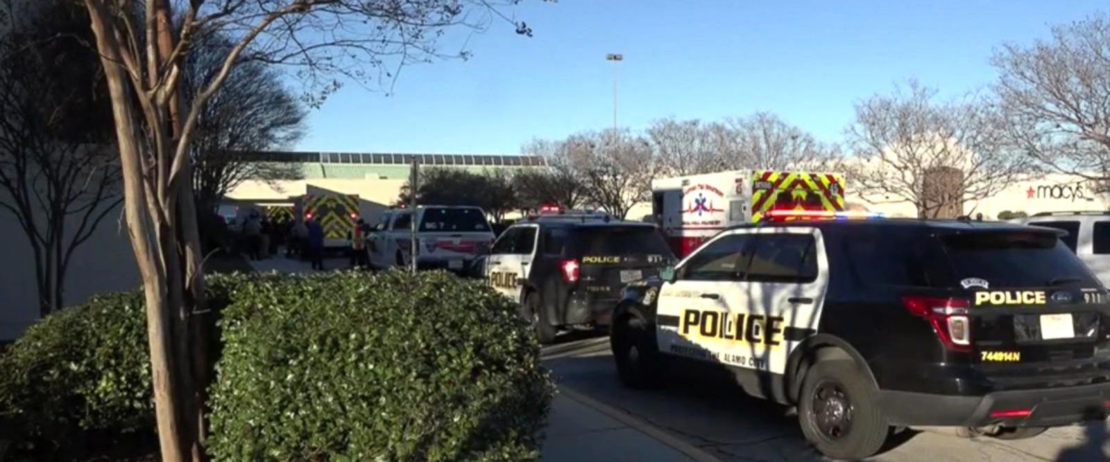 VIDEO: 1 Dead, 3 Shot After Attempted Robbery at San Antonio Mall