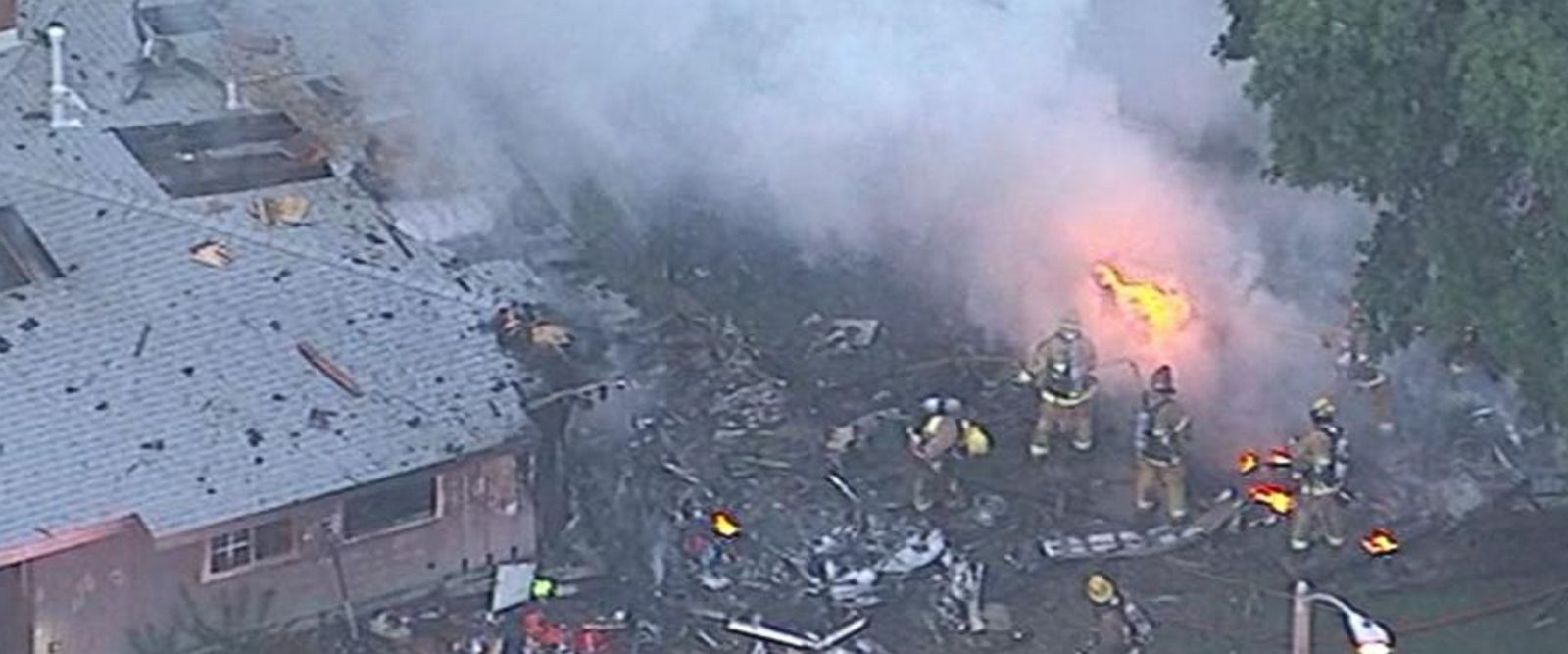 VIDEO: At least 3 dead after small plane crashes into California homes