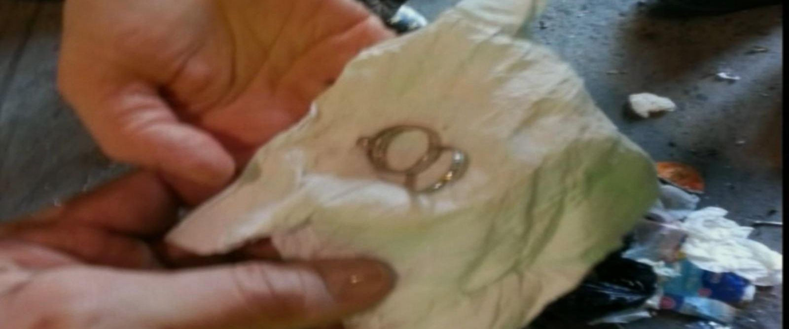 VIDEO: NYC sanitation workers recover a woman's wedding ring against the odds