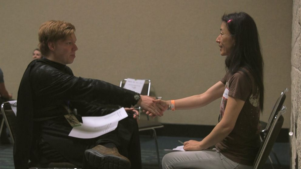 'Star Wars' speed dating reaches capacity as fans search for love