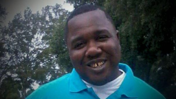 Federal prosecutors found insufficient evidence to charge either police officer involved in the Baton Rouge, Louisiana, shooting death of Alton Sterling, the U.S. Justice Department announced today, as it laid out in a detailed statement.