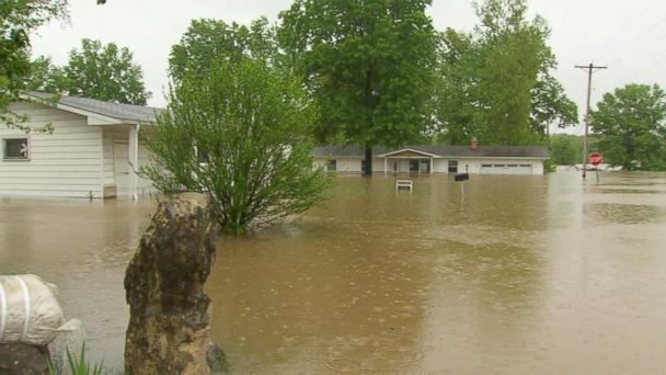 VIDEO: Flood and wind threat continues in Missouri