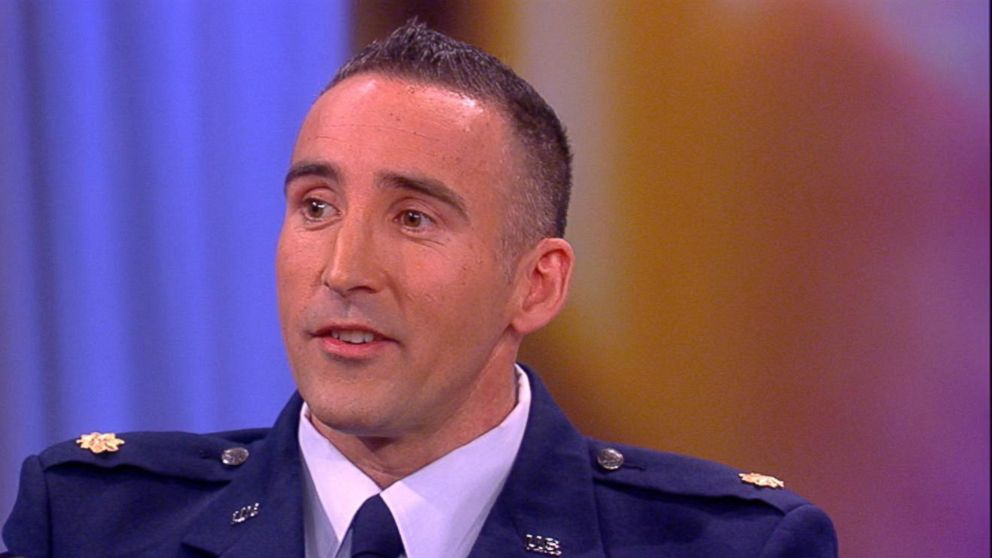 VIDEO: 5 Air Force veterans reunite after extraordinary 2004 mission in Iraq