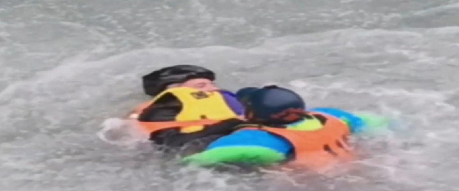 VIDEO: Alaska man celebrating his birthday pulls kayaker to safety