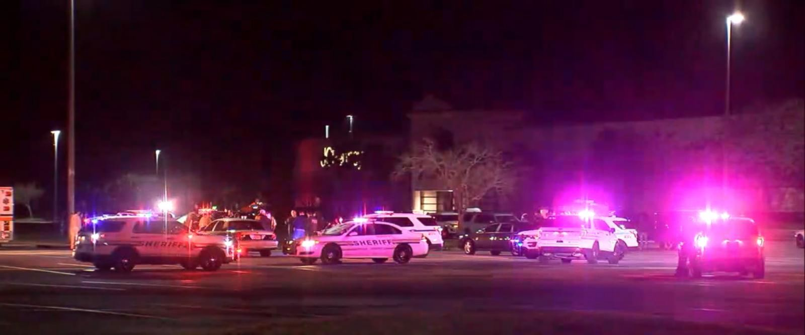 VIDEO: Two improvised explosive devices detonated in the corridor of a mall in Lake Wales, Florida, Sunday evening, authorities said.