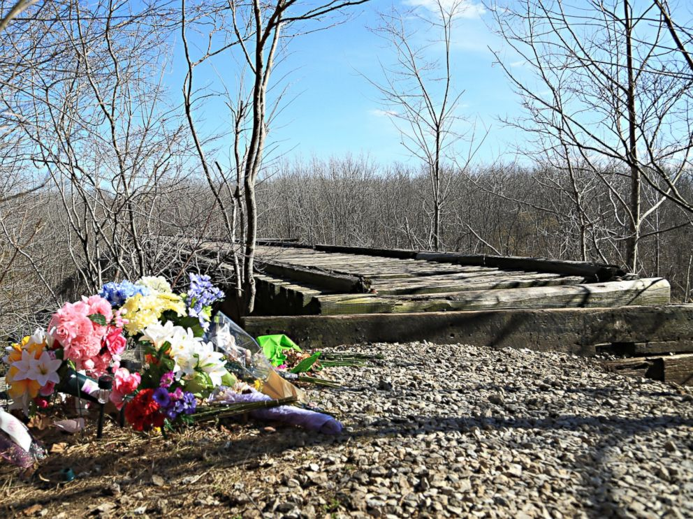 PHOTO: A makeshift memorial for Abby Williams and Libby German next to a trail they were hiking the day they disappeared, Feb. 13, 2017, in Delphi, Indiana.