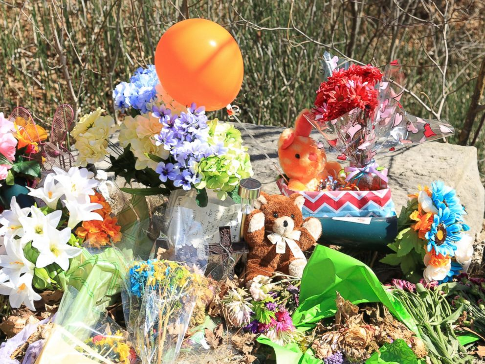 PHOTO: A makeshift memorial for Abby Williams and Libby German, who disappeared Feb. 14, 2017 along a hiking trail in Delphi, Indiana, and were later found dead.