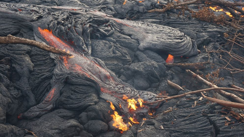 Red Hot Lava Flow Edging Toward Hawaiian Town  ABC_LAVA_FLOW_141024_DG_16x9_992