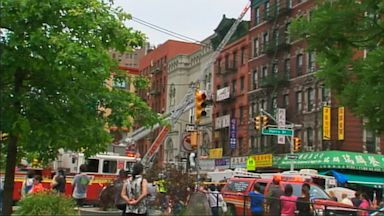 PHOTO: A building in New Yorks Chinatown collapsed