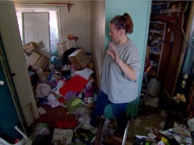 Kira had just three weeks to sort through 25 years worth of belongings in her home before moving out.