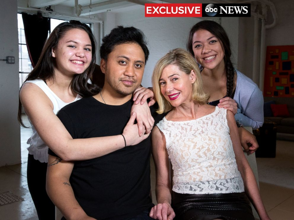 PHOTO: Mary Kay Letourneau Fualaau and Vili Fualaau are seen here with their two teenage daughters, Audrey and Georgia.