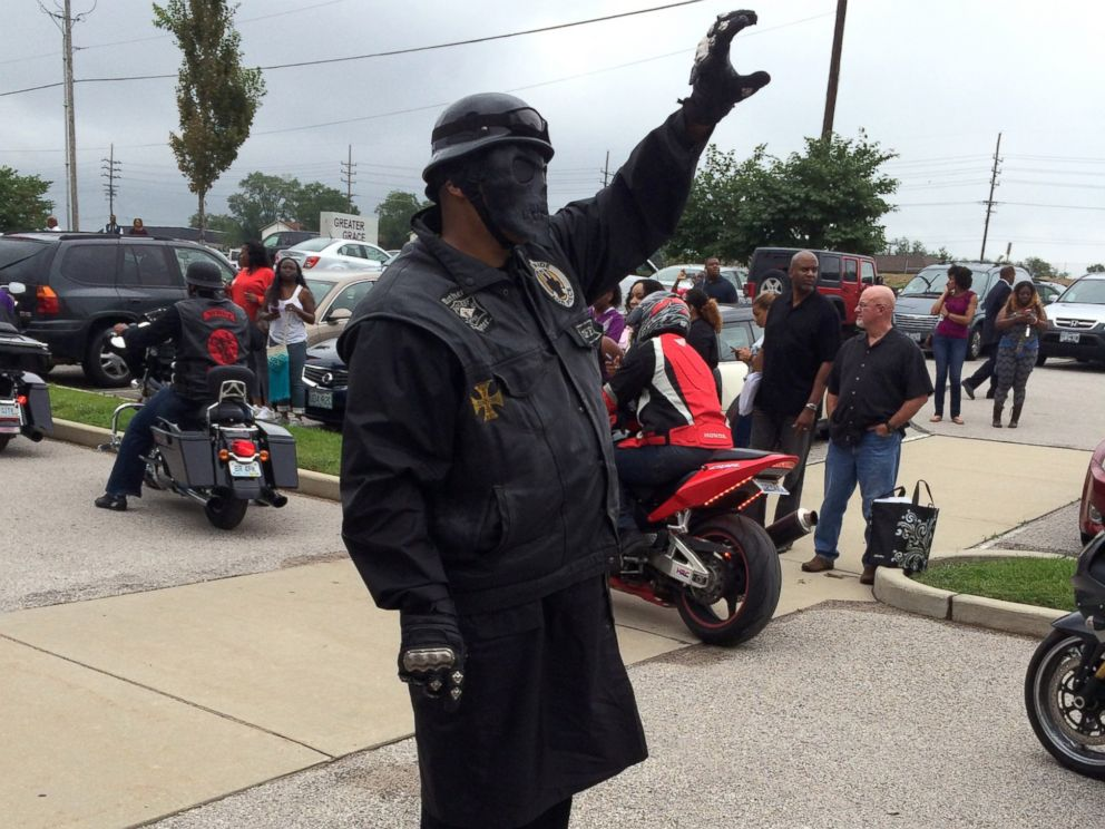 PHOTO: Bikers join in a rally in Ferguson, Mo., Aug. 17, 2014.
