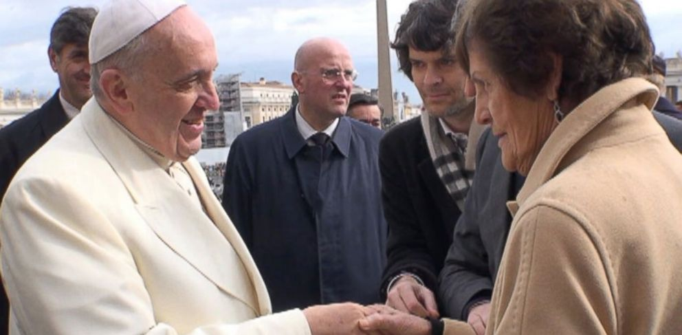 PHOTO: Pope Francis shakes hands with Philomena Lee.
