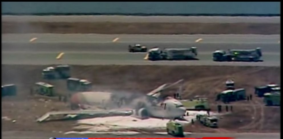 PHOTO: Asiana Airlines flight crashed at San Francisco airport