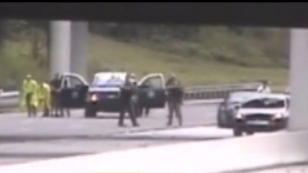 PHOTO: Police search for gunman following a deadly road rage shooting